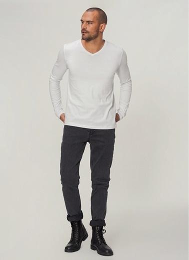 People By Fabrika Uzun Kol V Yaka Tişört Beyaz